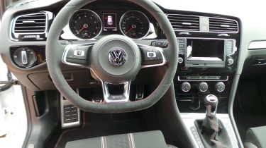 Volkswagen Golf GTI Clubsport S - dash