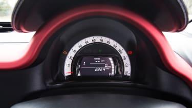 Renault Twingo - dials