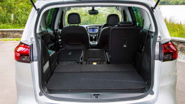 Vauxhall Zafira Tourer 2016 boot seats down