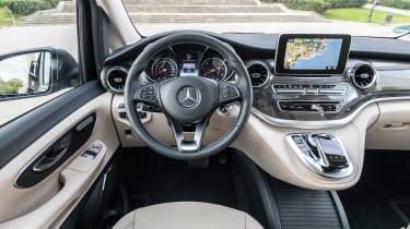 Mercedes V-Class - dash