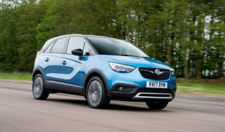 Vauxhall Crossland X - front blue