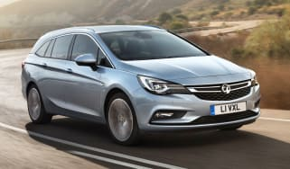 Vauxhall Astra Sports Tourer - front