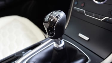 Ford S-MAX Vignale - gearstick