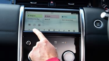 Land Rover Discovery Sport D180 first report - touchscreen