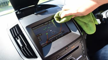 Ford S-MAX long-term - cleaning screen