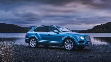 Bentley Bentayga Hybrid - side