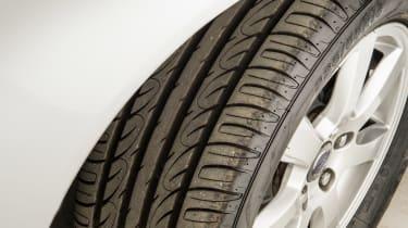 Used Volvo V70 - tyre