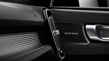 Volvo XC40 - speaker