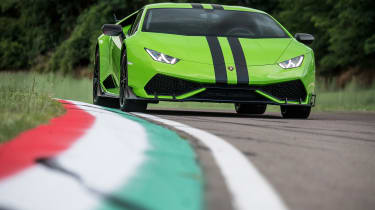 Lamborghini Huracan styling kits - front cornering