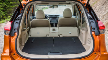 Nissan X-Trail - boot seats down