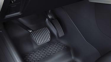 2019 Land Rover Defender pedalbox