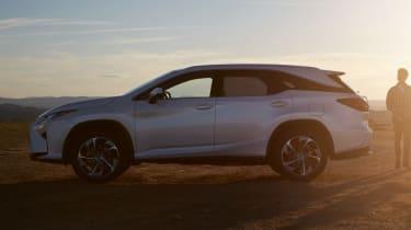 Lexus RX L - side
