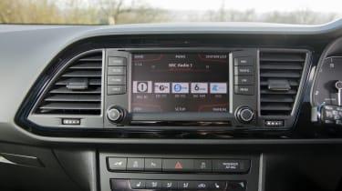 SEAT Leon Cupra 290 2016 UK - infotainment