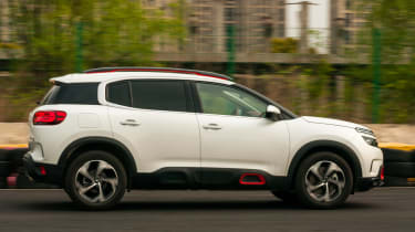 Citroen C5 Aircross - side action