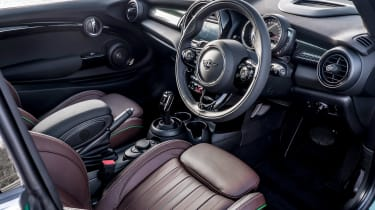 MINI Cooper S 60 Years Edition - dash