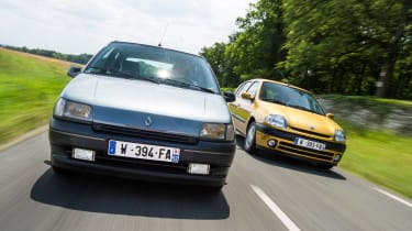 Renault Clio old vs new - mk1 and mk2 front tracking