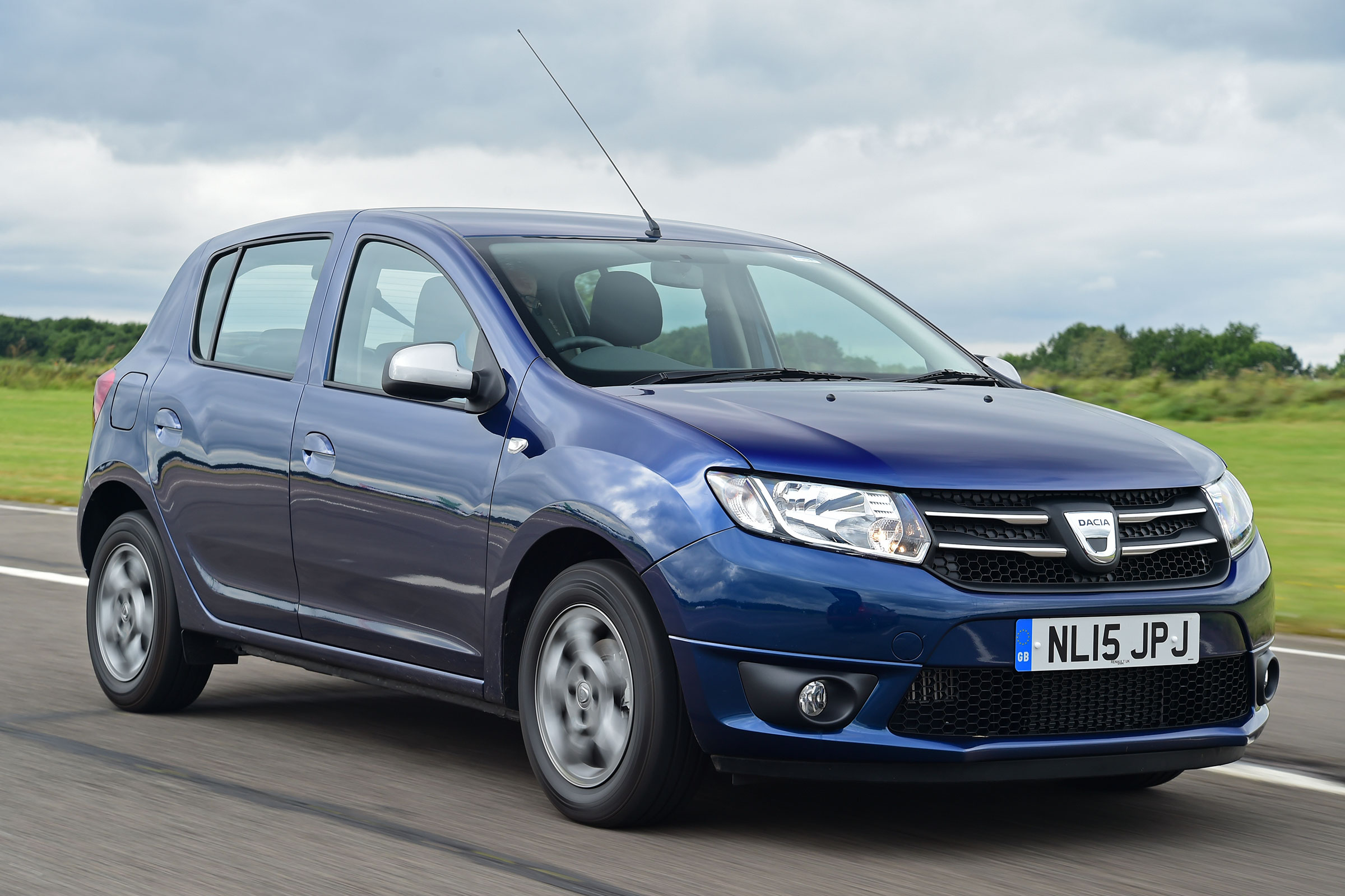 Dacia Sandero Stepway Gains New SCe 75 Petrol And Blue dCi ...
