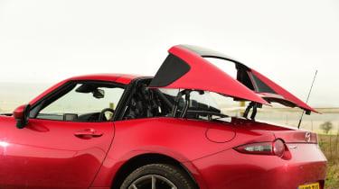 Mazda MX-5 RF - roof