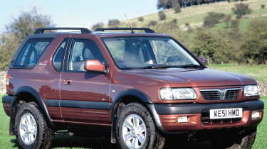 Top 10 worst cars - Vauxhall Frontera front quarter 2