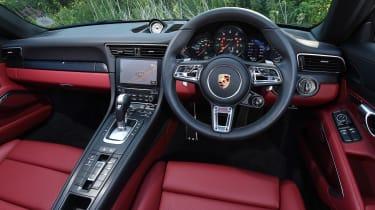Porsche 911 Targa GTS - dash