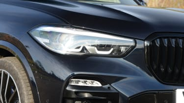 BMW X5 xDrive45e - front light