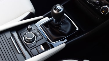 Mazda 3 2016 - centre console
