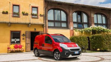 Fiat Fiorino - loading