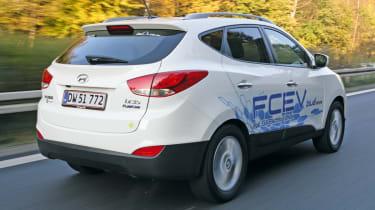 Hyundai ix35 fuel cell prototype rear tracking