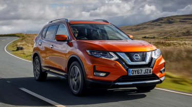 Nissan X-Trail - front