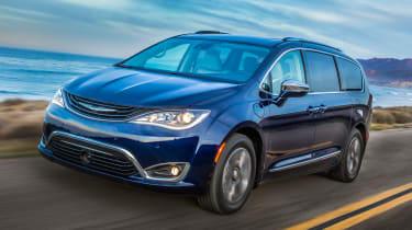 Chrysler Pacifia Hybrid - front