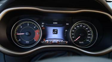 Jeep Cherokee diesel 2014 dials