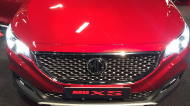 MG XS grille