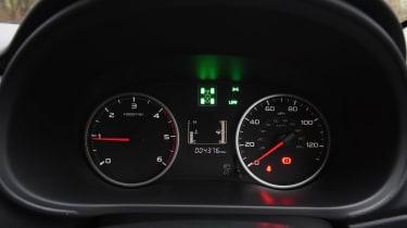 Fiat Fullback - dials