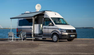 Volkswagen Grand California awning