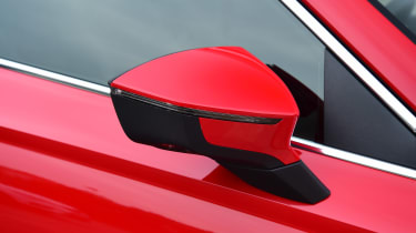 SEAT Ateca - mirror
