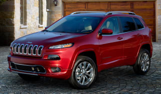 Jeep Cherokee Overland - front quarter