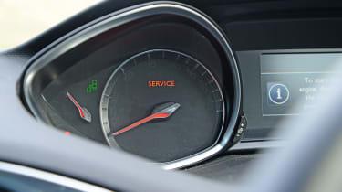 Peugeot 308 SW dials