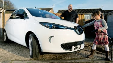 Living with a Tesla Powerwall, Renault ZOE and solar panels –header