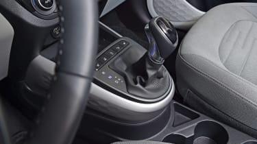 Hyundai i10 - transmission studio