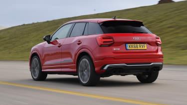 Audi SQ2 - Rear tracking