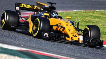 Formula 1 2017 - Renault front cornering