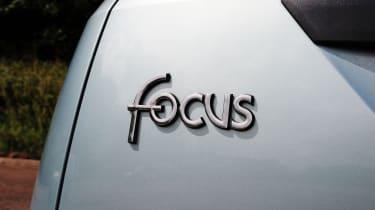 Ford Focus Mk1 - badge