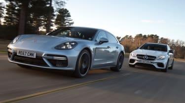 Porsche Panamera vs Mercedes-AMG E 63 S second lead