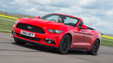 Ford Mustang 2.3 Convertible - front
