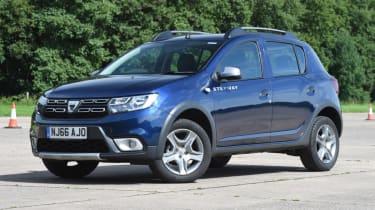 Dacia Sandero Stepway - parked front