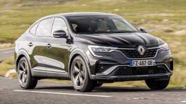 Renault Arkana - front cornering