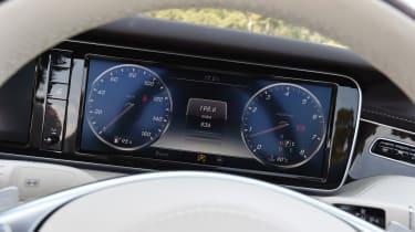 Mercedes S 500 Cabriolet 2016 - dials