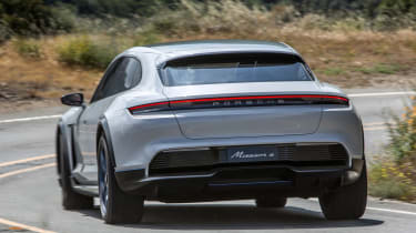 Porsche Mission E Cross Turimso - rear cornering