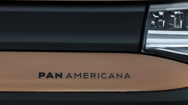 2020 Volkswagen Caddy Pan Americana - badge