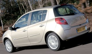 Side view of Renault Clio Initiale